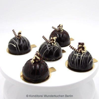 Schoko Mousse Kugeln 5er Set, Online Shop und Lieferservice Kuchen Torten Berlin.