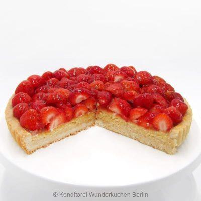 tarte-marzipan-erdbeer-saison-. Online Shop und Lieferservice Kuchen Torten Berlin-