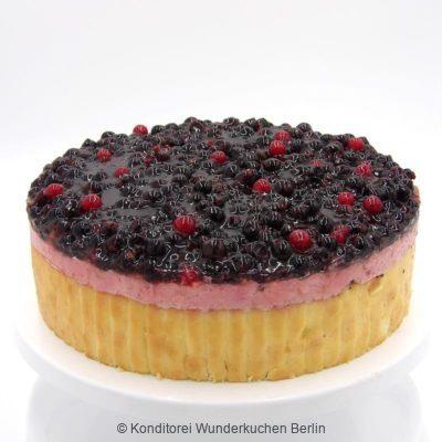 Cassis Mousse Torte. Online Shop und Lieferservice Kuchen Torten Berlin.
