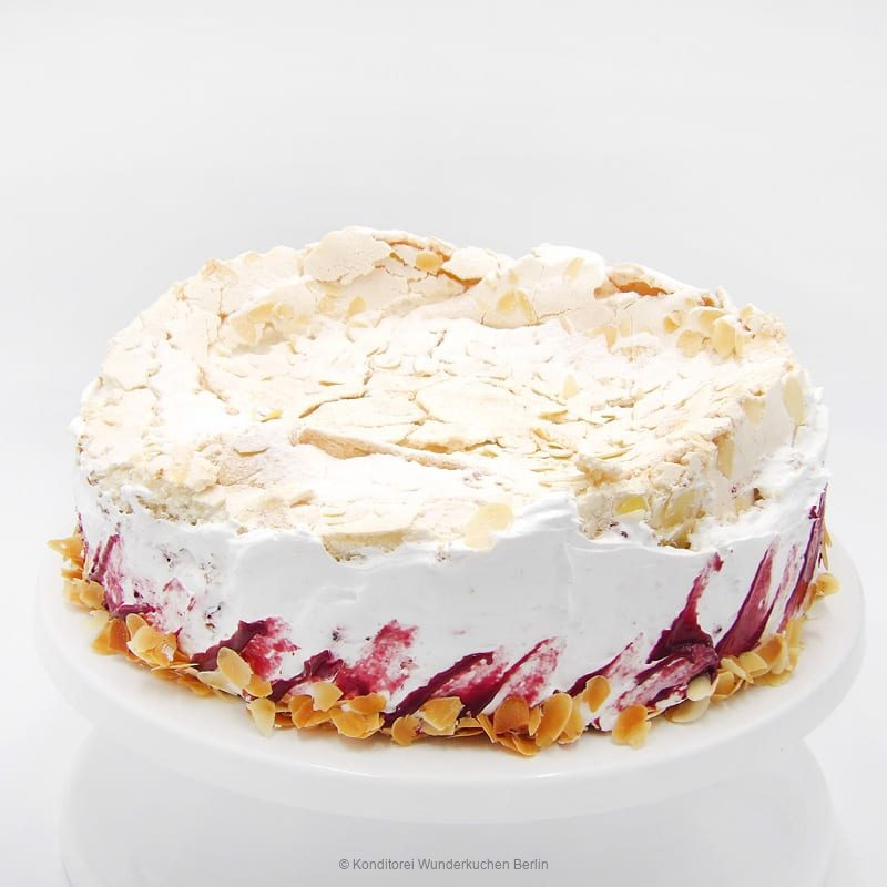Wölkchen Cassis Torte. Online Shop und Lieferservice Kuchen Torten Berlin-