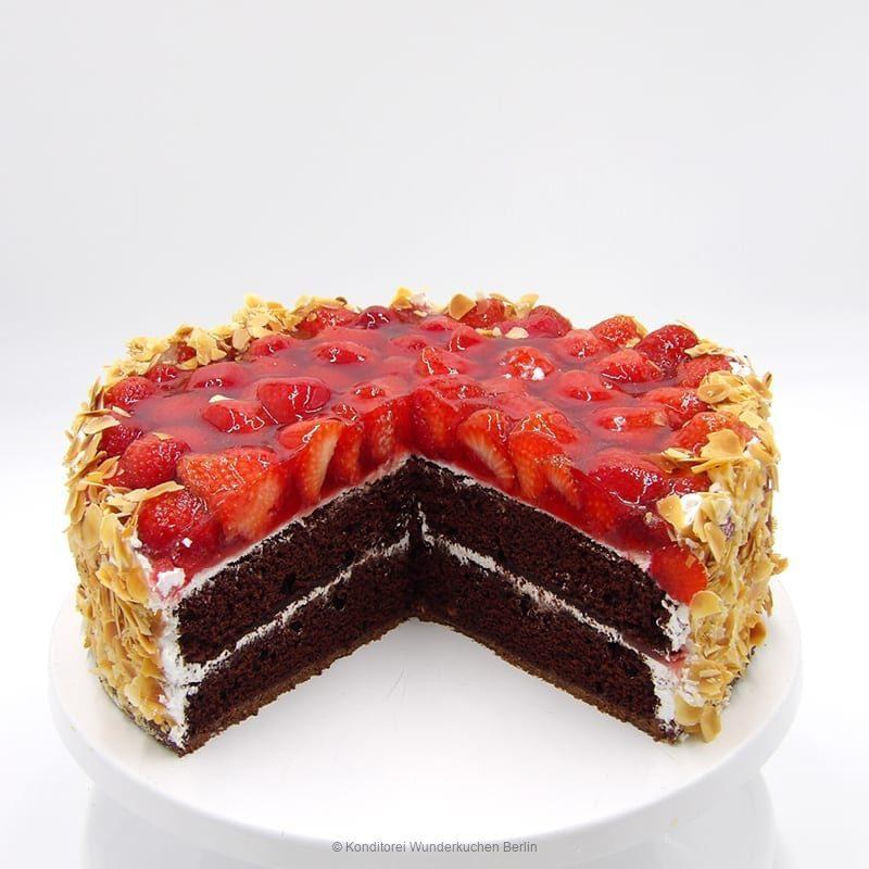 torte-erdbeer-saison-vegan-. Online Shop und Lieferservice Kuchen Torten Berlin-